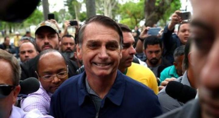 Resultado de imagem para Médicos não liberam Bolsonaro nem para debate nem para campanha eleitoral; candidato será reavaliado na próxima quinta