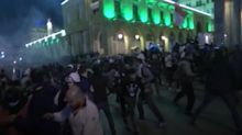 Thousands of protesters return to Lebanese Parliament after crackdown in Beirut