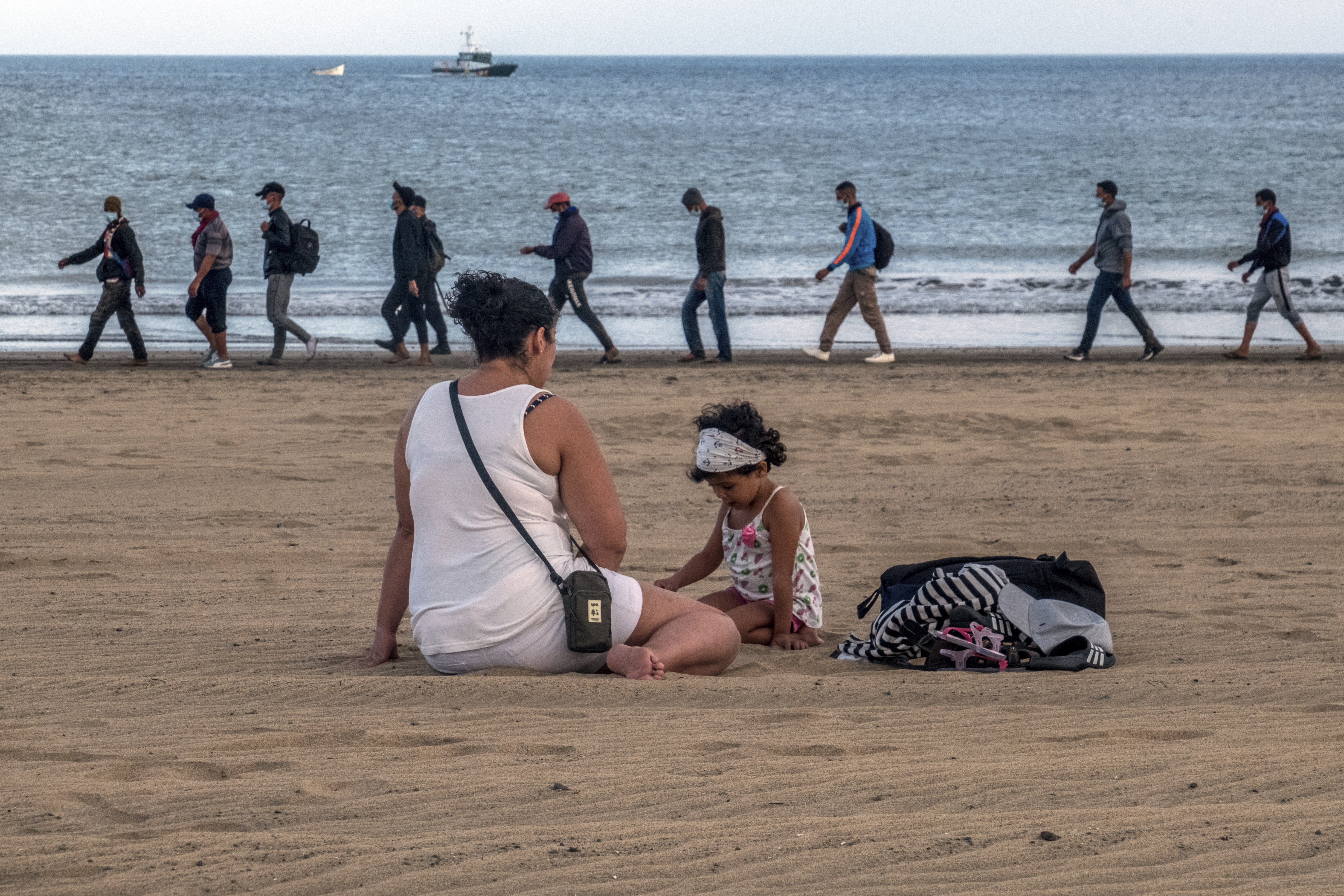 Spain searches for answer to migrants eyeing Canary Islands