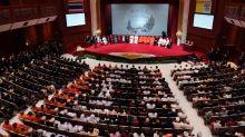 El papa concluye visita a Tailandia con su homenaje a la minoría católica