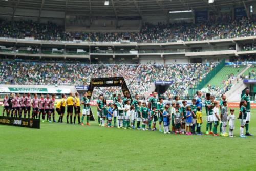 Loja do Palmeiras faz ação pelo Dia Internacional da Síndrome de Down