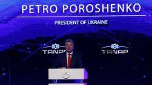 El Kremlin critica a Poroshenko por renunciar al tratado de amistad con Rusia