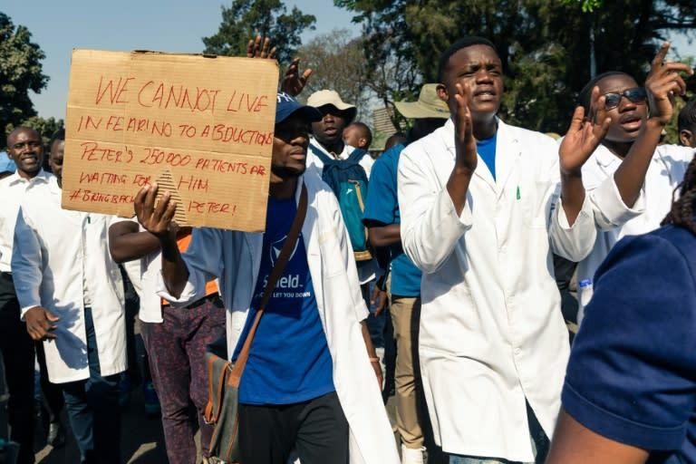 Zimbabwe doctors defy court, enter 43rd day of strike