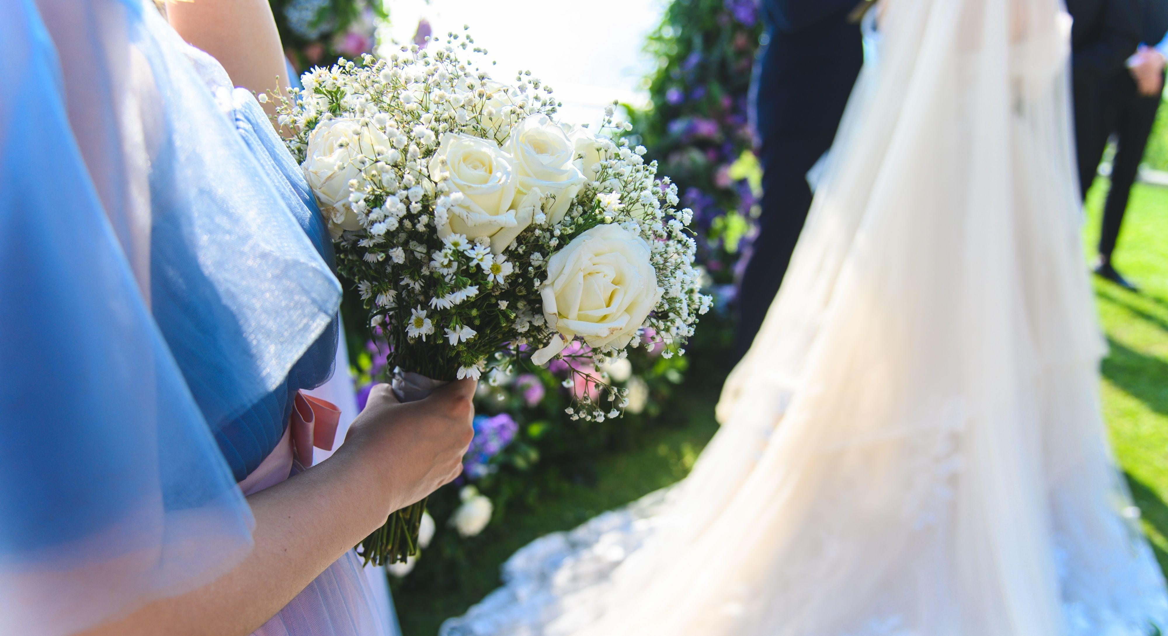 Live goldfish wedding favours backfire on maid of honour