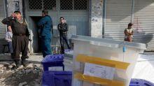 Fútbol, ferias y fortunas: En las elecciones afganas, manda el dinero