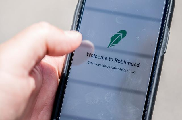 Robinhood reportedly facing SEC probe for selling to high-speed traders