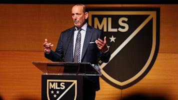 Source: MLS may cut employee pay 25 percent