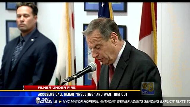 Accusers call rehab 'insulting,' want Filner out