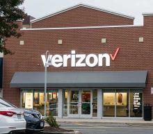Verizon Earnings Top Views, Telecom Lifts Full-Year Profit Outlook