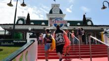 Leading investor targets Dreamworld owner