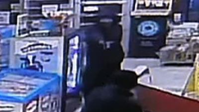 Store Clerk Tackles Robbery Suspect