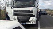 Incidente a Taranto, scontro tra tir e due auto: tre morti e tre feriti