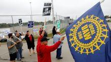 Quase 50 mil funcionários da GM fazem primeira greve em 12 anos nos EUA