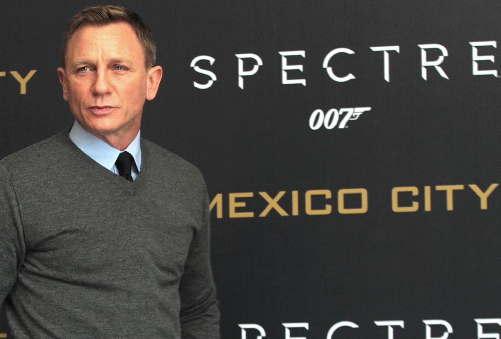 Craig confirms he's back as 007    one last time