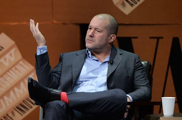 Jony Ive isn't too concerned about your iPhone battery life issues