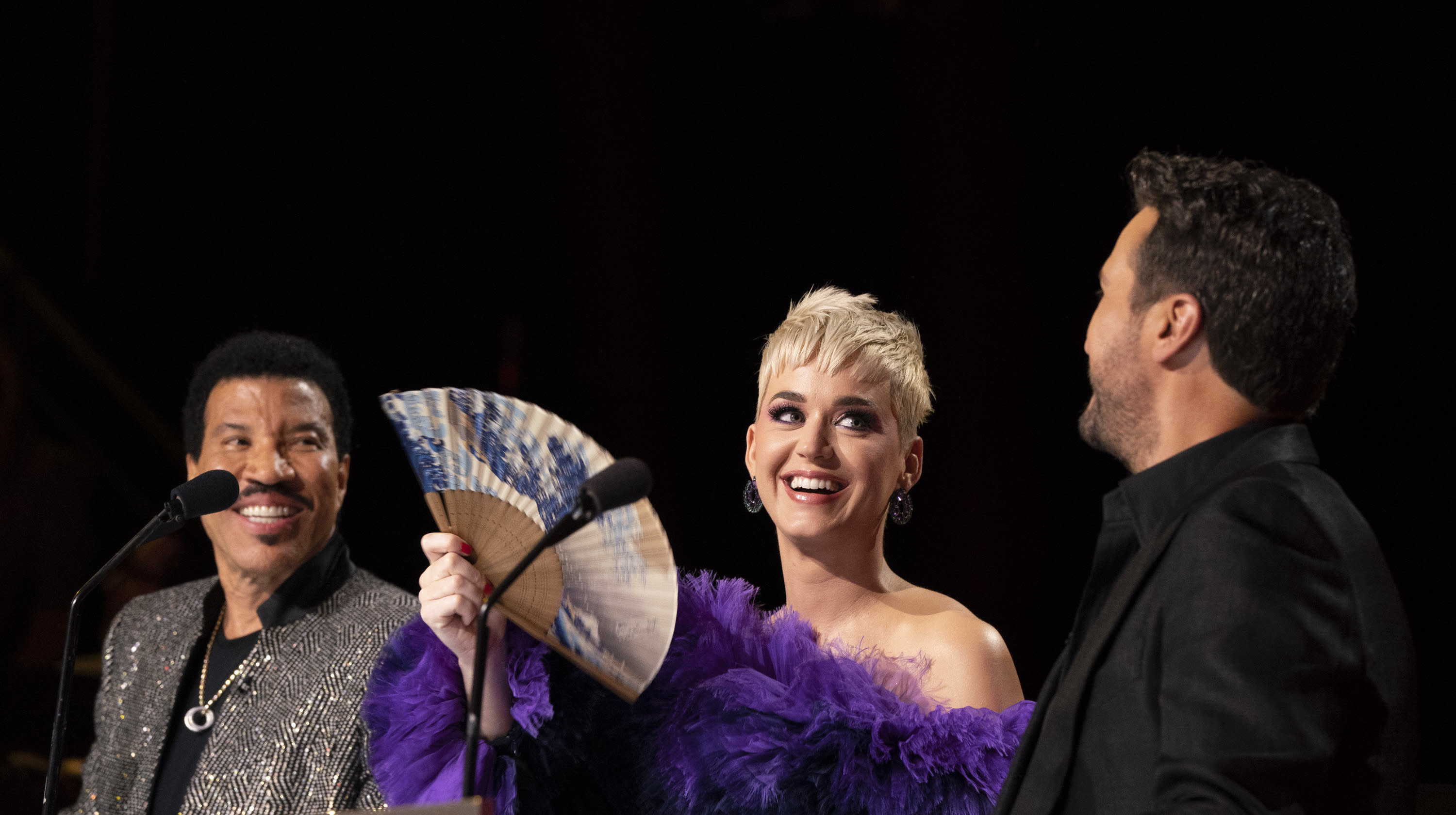 Katy Perry Says She's 'Not Single' On 'American Idol'
