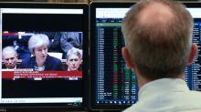 La Bolsas europeas terminan en alza pero cierran un año en debacle