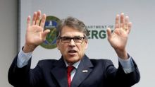 Energy secretary asks oil industry to study carbon capture technology