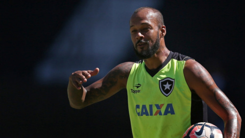 Bruno Silva se coloca à disposição e critica regulamento: 'Uma bagunça'