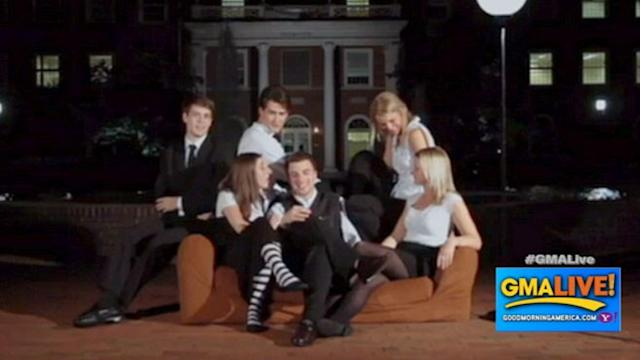 Real Life 'Friends' Recreate Iconic Show Opener