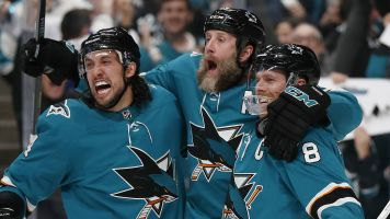 Watch live: Sharks battle Blues in Game 5
