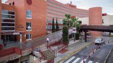 Indemnizan con 8.500 euros a un hombre al que dejaron gasas en una operación