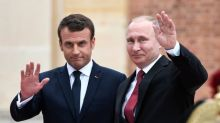 """Navalny: Macron dénonce une """"tentative d'assassinat"""" et demande à Poutine une """"clarification"""""""