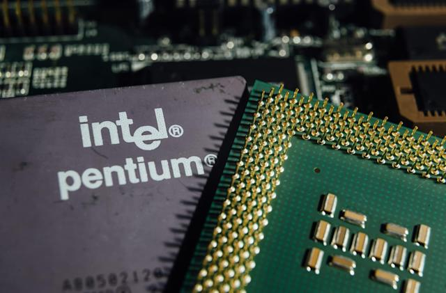 Intel currently facing 32 class-action lawsuits for Spectre and Meltdown