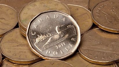 Canadian dollar sinks to 2018 low