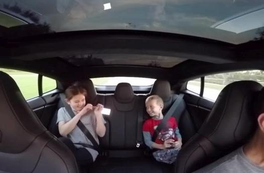 Tesla Model S P85D's 'Insane Mode' lives up to its name