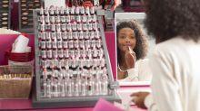Hallan gérmenes mortales en los maquillajes de prueba de las tiendas de cosméticos