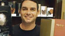 MP suspeita de operações coincidentes nas contas de Flávio Bolsonaro e loja de chocolates