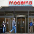 Moderna says on track to report late-stage COVID-19 vaccine data next month