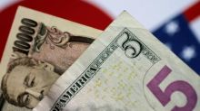 Dollar Falls to 1-Week Lows vs. Yen amid Trade Fears