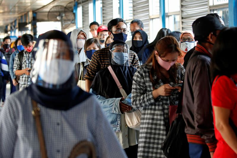 Indonesia reports 1,519 new coronavirus infections, 43 deaths