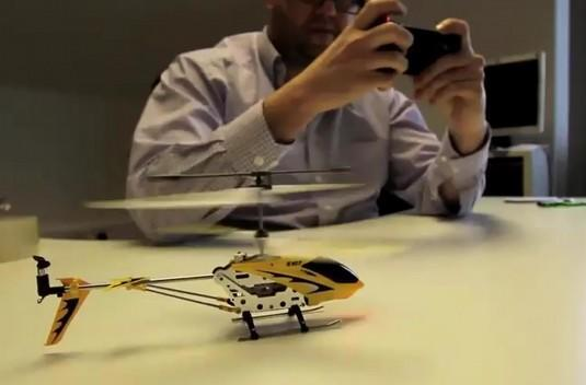 AppToyz iPhone-controlled RC car and copter are more reasons to have fun with your phone (video)