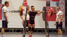 Singaporean teenager sets new powerlifting world record