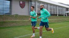 Rodrigo Caio e Gabigol dão novo passo na recuperação e alimentam esperança para domingo