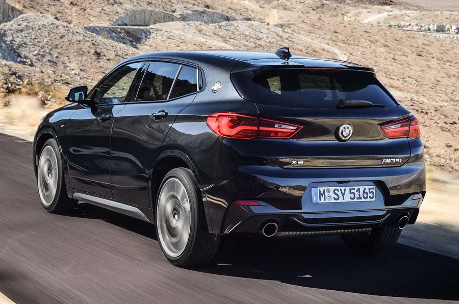 BMW X2 M35i可達到302bhp馬力與332lb ft扭矩動力配置,強勁性能與BMW M140i搭載的3.0升直六渦輪增壓引擎相比不遑多讓。 (圖片來源:https://www.autocar.co.uk/car-news/new-cars/new-bmw-x2-m35i-revealed-first-four-pot-m-cars)