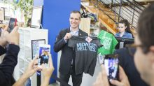 L.A. Mayor Eric Garcetti follows in Obama's footsteps — to Iowa