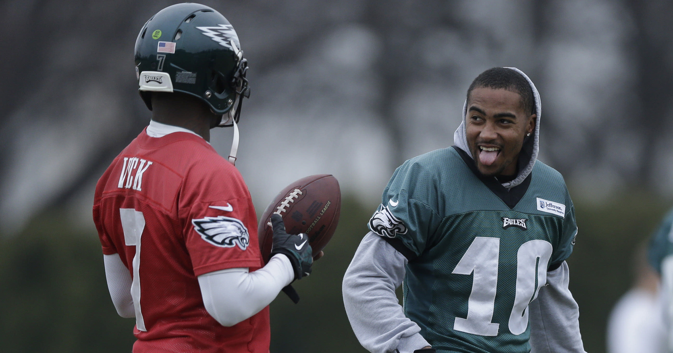 Michael Vick and DeSean Jackson troll Chip Kelly at autograph signing