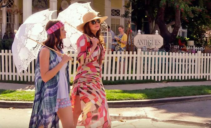 The first official Netflix 'Gilmore Girls' trailer is here
