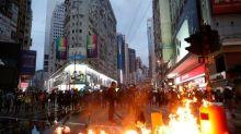 Rufe und Gelächter: Hongkongs Regierungschefin bricht Regierungserklärung ab