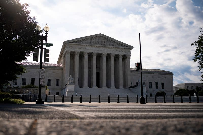 Generic word with '.com' at end can be trademarked, SCOTUS rules
