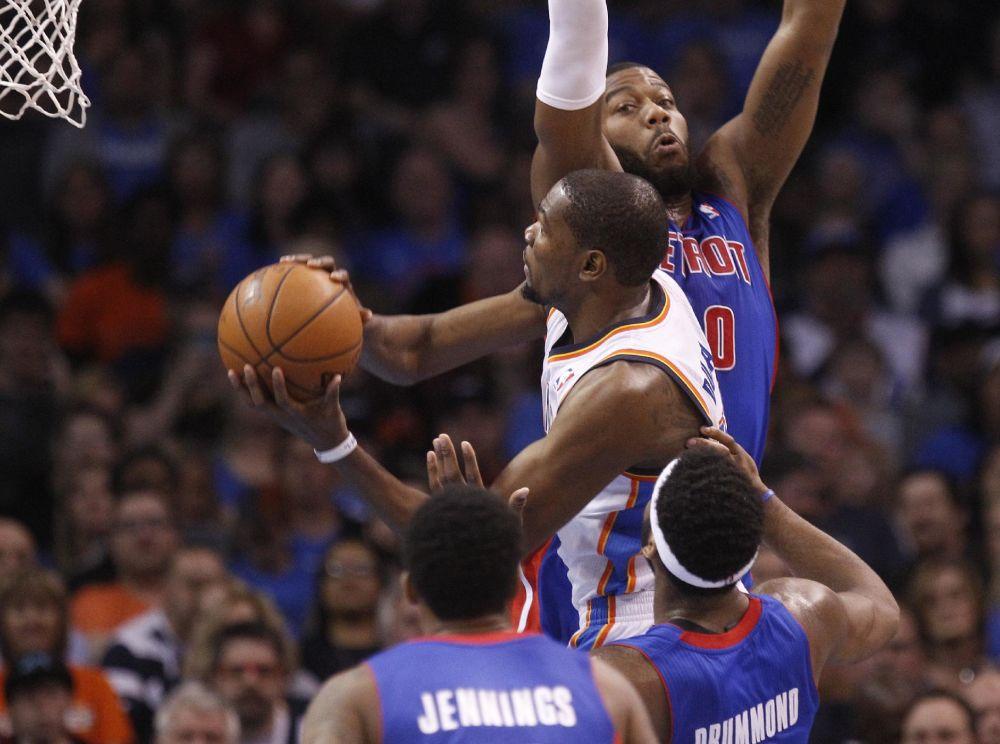 Durant has 42, Thunder beat Pistons 112-111