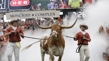 Bevo won't join Texas for game at Kansas