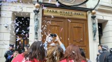 """Les femmes de chambre du Park Hyatt Vendôme crient leur """"colère"""""""
