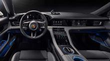 Porsche Taycan mostra interior com cinco telas e assistente virtual