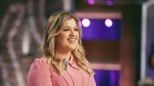 Kelly Clarkson admits she 'definitely didn't see' divorce coming