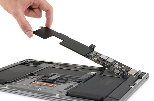 The Morning After: iFixit opened up 竞彩足球app官方版's new M1 MacBooks